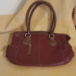 Medium size purse by Relic Maroon